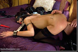 french-maid-bondage-05